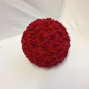 Red Kissing Ball 18cm