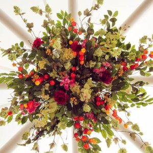circle flower arrangement