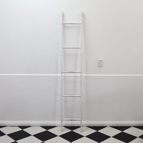 white-ladder-rustic-decor