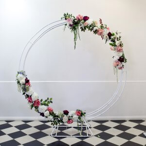 circle arch with pink cream flowers